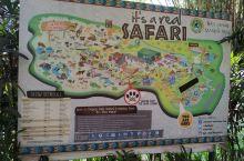 巴厘岛野生动物园内的动物很多都是野生散养的,园区内设有动物散养观赏区,可搭乘园区专车与动物近距离接触