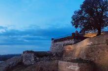 贝尔格莱德像极了重庆,站在卡莱梅格丹要塞看萨瓦河和多瑙河汇流,仿佛嘉陵江融入长江的怀抱!
