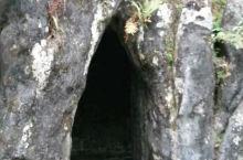 军阀建的谢鲁山庄,假山里藏着一条秘密通道,看看门口像什么?