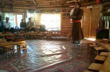 """蒙古族图瓦人的独有乐器——""""绰尔""""。""""绰尔""""系用当地生长的一种草本植物的茎杆制作而成,每年深秋时采集"""