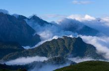 九山顶自然风景区坐落在蓟县下营镇境内,是寻奇探幽的野趣乐园,傍着山溪走进山谷,就进入了九山顶的地界,