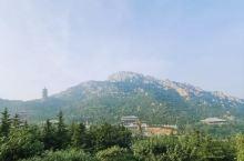 很好的一次旅行,玩得很开心。山顶上的风景不错,爬到山顶上能看到大海。我去的时候人不太多,走一走还挺舒