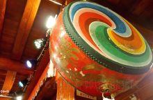 香格里拉必去打卡土司宴 藏餐里的土司盛宴,都是在藏族里比较有名气的大家族才会有的,氛围真的很噪,你会
