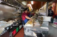 墨西哥卷饼  卷饼 (西班牙语:Burrito),一种墨西哥料理。它主要是将肉、豆、碎奶酪等食品和各