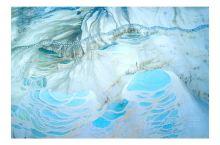 云南也有土耳其棉花堡『白水台』 香格里拉白水台位于哈巴雪山麓,距香格里拉县城103公里,海拔2380