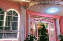酒店就在曾厝安里面一点,下楼走50米,全是吃的,很方便,晚上休息又不会吵,每天晚上下去找吃的,边走边