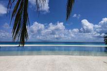 度假村隶属于UNIVERSAL环球酒店集团,同时马尔代夫维拉沙鲁度假村是世界小型奢华酒店SLH的成员
