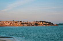 东山岛南门湾 东山岛位于福建省漳州市的一个比较小众的小海岛,这里旅客不是很多,特别淡季的时候。南门湾