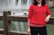 """黄果树瀑布,即黄果树大瀑布。古称白水河瀑布,亦名""""黄葛墅""""瀑布或""""黄桷树""""瀑布,因本地广泛分布着""""黄"""