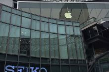 广州天河商业区,天環广场,建筑设计风格独特,购物环境优美,各类商品应有尽有。