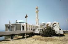 中午顶着三十几度的高温出去拍照的也就我了,水上清真寺打卡,一个人都没有。这个时间真安静。