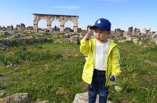 Volibilis 罗马古遗迹 位于摩洛哥梅克内斯30公里外~环抱在蓝蓝的天空和绿油油的庄稼中,拍什