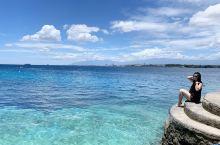 这里是菲律宾达沃市 菲律宾总统故乡 未被完全开发的处女地 海水非常干净 人也少 有机会跟小黑们出海捕