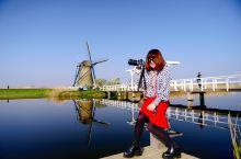"""荷兰,美丽神话般的小孩堤防风车 欧洲流行着这么一句话""""上帝创造了人类,风车造就了荷兰""""。 小"""