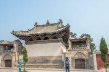 【王曲东岳庙元代戏台】戏台建于元初,是全国仅存的几座元代戏台之一,单檐歇山顶,后来清代又在前台加了卷