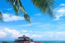 相对沙巴其他的热门度假海岛,位于 山打根 的 兰卡央岛 鲜为人知,更像一个私人的度假天堂,这里稀有中