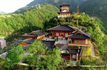 金台山文化旅游区位于镇安县城东侧,紧邻西康铁路镇安站,距离包茂高速镇安出口1.2公里,四面绿山环绕,