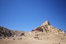 西藏阿里地区扎达的古格王朝遗址,非常值得一片繁忙的土林的映衬下,显示,历史沧桑和神秘