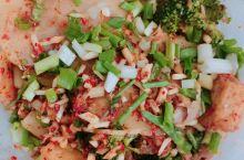 资阳美食,不加情怀分都是真的不错的,绝味虾,好吃嘴串串,瞎瞎的龙骨,烂眼的翅尖,梅西的飞饼。