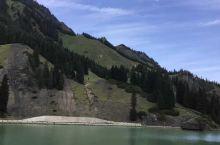 天山大峡谷,假装在瑞士。 哈哈哈我本来想去天山天池的,结果一不小心买错了去到了天山大峡谷。 经验!!