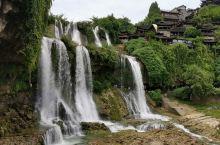 美丽的芙蓉镇瀑布