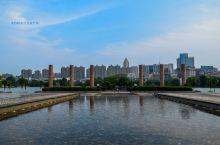 """【一座广场一座城】 鸠兹广场中的""""鸠兹""""就是芜湖的象征,鸠兹广场也是芜湖市中心的一个地标、城市知名建"""
