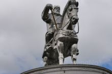 这个成吉思汗骑马塑像可以买票上到马头的位置,非常有气势。