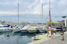 马赛 想到的是 马赛曲 地中海沿岸的一个大港口 地中海沿岸的一个很有活力的城市
