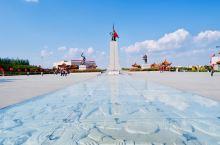 集宁战役红色纪念园 广场  其实他并没有什么售票处只有一个游客中心 这里本来就不需要门票,自然就不需