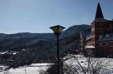 """成都西岭雪山   窗含西岭千秋雪  """"毕竟来人间一趟, 一定要行至远方,看灿日碧阳。"""" 我是会滑雪的"""
