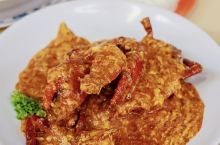 新加坡众多老字号之一,蝉联多年的米其林必比登,主打海鲜煮炒,这一片一整层全是她们家的  月光河粉SG