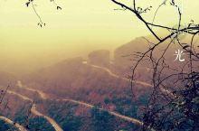 皖南川藏线的六道湾对车技的挑战还是不小的,一路走来,印象最深的是最高峰的云雾和俯瞰其他弯道的震撼:龙