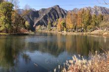 金秋时节,乌龙峡谷别样美丽。