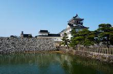 富山城1543年有由神保长职的家臣水野胜重修筑,是神保氏三代的居城。1597,富山城归前田利长所领。