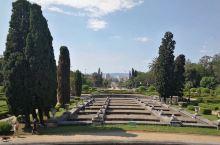 圣保罗独立公园由博物馆、花园、独立广场和独立纪念碑等部分组成。1989年8月被宣布为巴西考古及人文遗