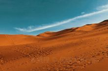 图1/库木塔格沙漠 图2 吐鲁番火焰山