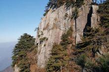 大别山主峰白马尖景区为国家AAAA级旅游景区,白马尖海拔1777米,坐落于安徽省六安市霍山县境内,系