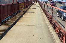 租一辆脚踏车,骑行于大桥上,那种感觉美妙至极  旧金山地处加州北部,东临旧金山湾,西临太平洋,作为仅
