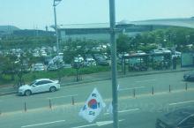 最近几年常常往返于中韩之间,在这有梦有回忆的地方,遇到太多有爱的姐姐和大叔们。 大雪纷飞与阳光明媚的