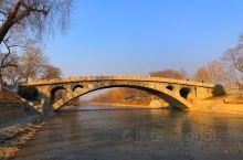 赵州桥 赵州桥建于隋代(公元581-618年)开皇十一年至开皇十九年(公元591-599年),由著名