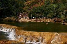 这是京山美人谷哦!你去过吗?如果你没有去过话,那么你一定要抽时间去看看,景点很精致的哦!有着湖北九寨