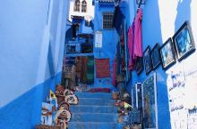 舍夫沙万老城(Chefchaouen Old City)依山而建,是阿拉伯人聚居区,这里非常的美,是