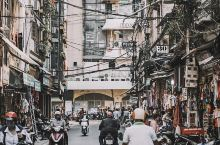 第一次来越南,鬼使神差来了河内,我能告诉你我是买错机票吗?!但是,一点都不无聊。看到顺眼的店我就进去