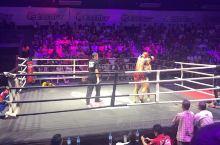 """泰拳是到泰国必看项目之一 泰拳是发源于泰国,弘扬于世界的搏击技术,被称为""""八臂拳术""""、""""八条腿的运动"""