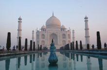 印度泰姬陵是必须要去的。她是印度的骄傲,称它为世界8大奇迹之一。        泰戈尔都说,泰姬陵象