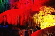 贺州紫云洞 紫云洞是贺州十分值得一去的景点。这个景点开发较晚,保护和设计都很好。紫云洞又名紫云仙境,
