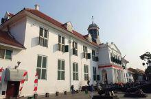 在Kota Tua老城区,花花特意参观了法塔希拉广场(Fatihillah Square)的雅加达历