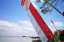 2019.11.11印尼巴厘岛时间15:40,上午10:30乘玻璃底船大概10分钟左右的水路,即抵达