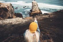 新西兰鸟岛|黑色沙滩与白色塘鹅的相遇之地 金黄色的沙滩见得多了,但黑色的沙滩可就稀奇了~位于新西兰第