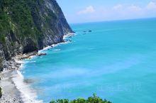 感受太平洋的气息, 清水斷崖,眼睛看到的比照片拍出来的美; 太平洋的海豚自由自在,但是多了我们这些游